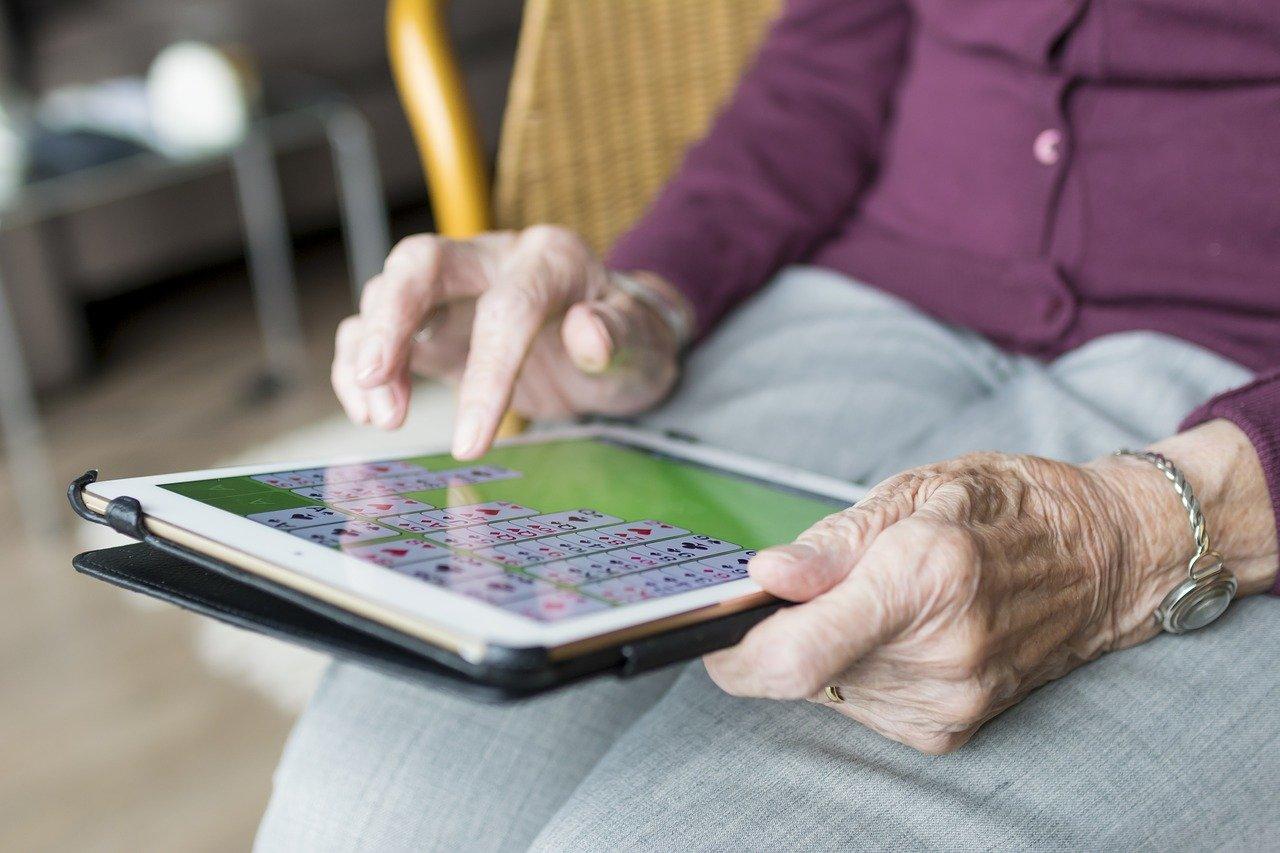 L'illectronisme, un fléau pour les personnes âgées: quels enjeux ?