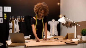Comment devenir styliste de mode ?