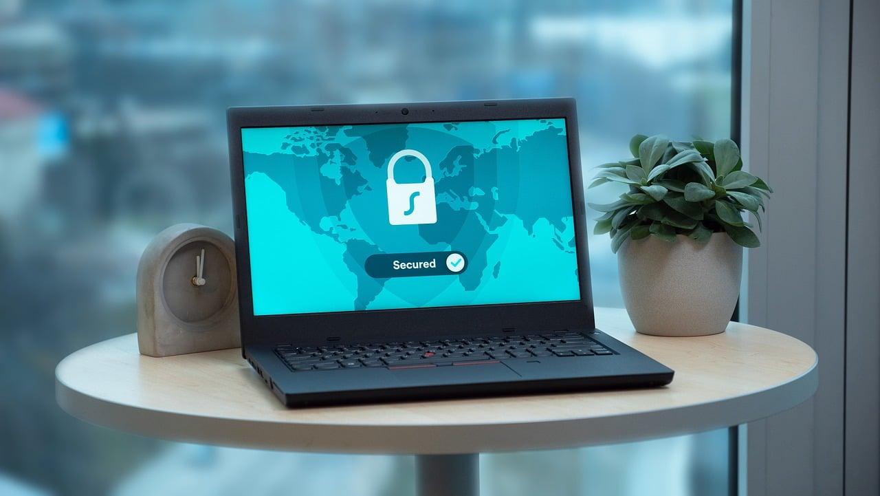 Confidentialité sur Internet: TOR et VPN, lequel est le meilleur?